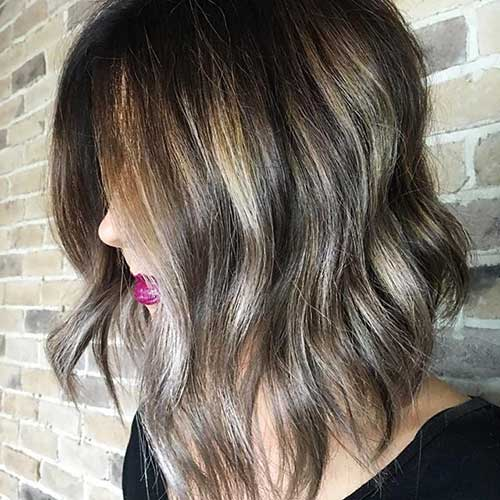 Short Cute Wavy Hairstyle