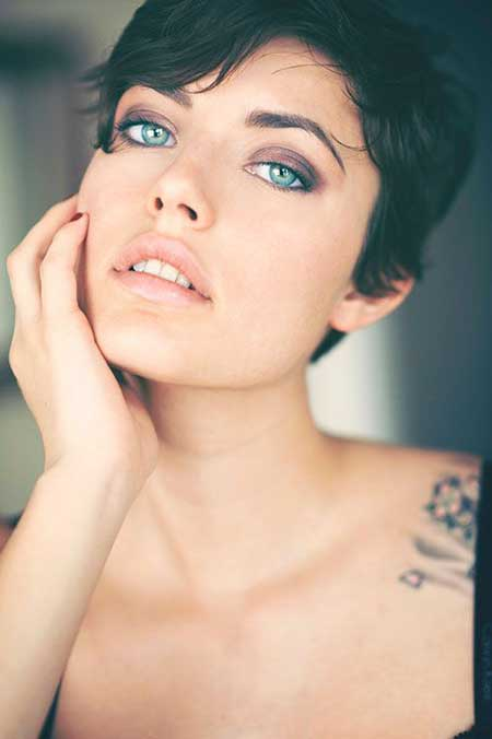 Short Hairstyles for Oval Faces - 11