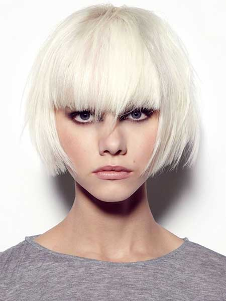 Short StraightPlatinum Blonde Hair