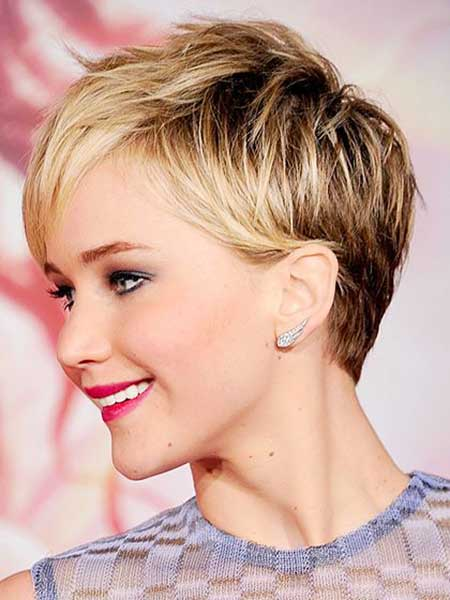 Short Haircuts Women Round Faces