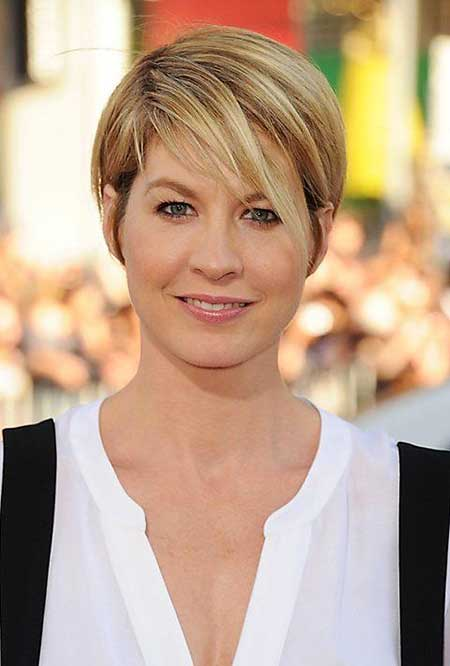 Short Haircuts for Women with Round Faces - 8