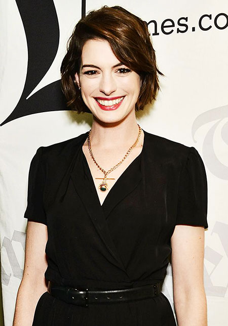 Anne Hathaway Short Hairtyle, Home Season Dos Hair