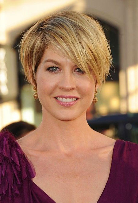 Short Hair Layered Styles
