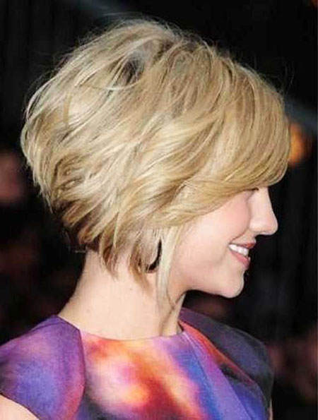 28 Short Hairstyles For Women Over 40