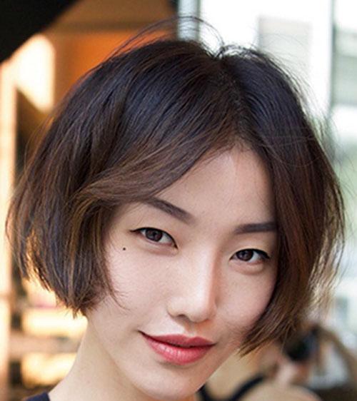 Short Brown Hair Style