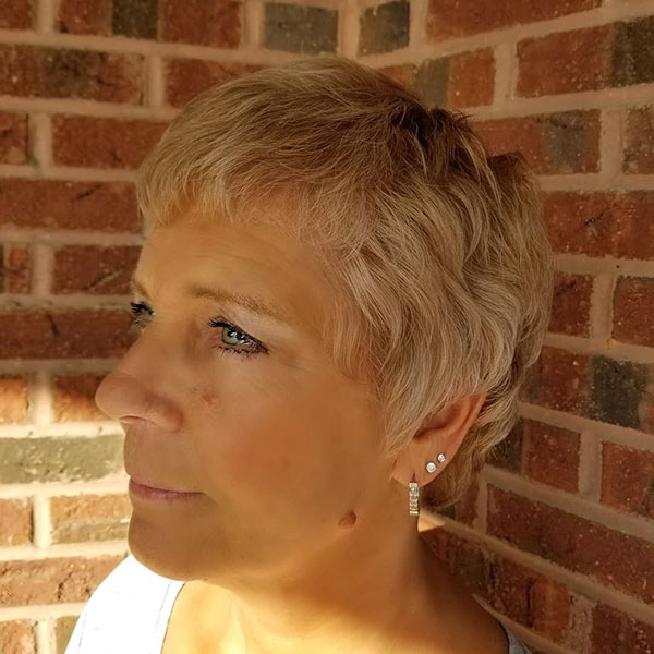 Short Hairstyle Ideas For Women Over 40